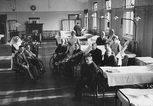 Patients in Grangethorpe ward